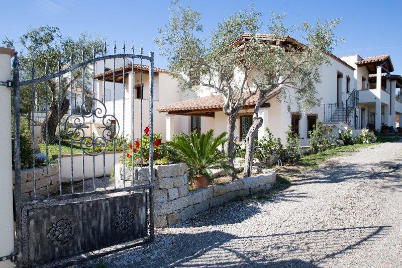 Torre di Barì Trilocale 4 vicino al Mare, holiday rental in Bari Sardo