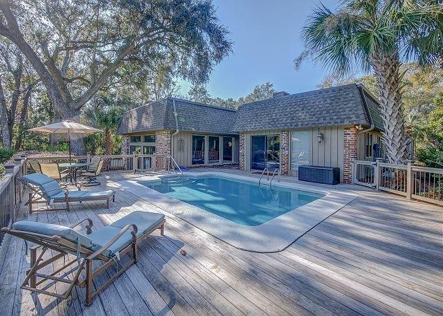 Sea Pines Home, Private Pool, Golf Views, Walk to Beach, Free Bikes, alquiler de vacaciones en Hilton Head