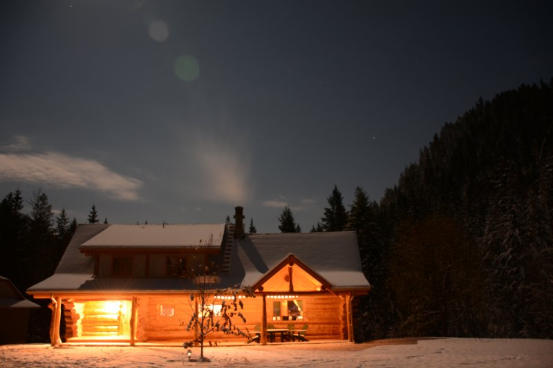 Get away from the noise of the city and relax in your own remote log cabin
