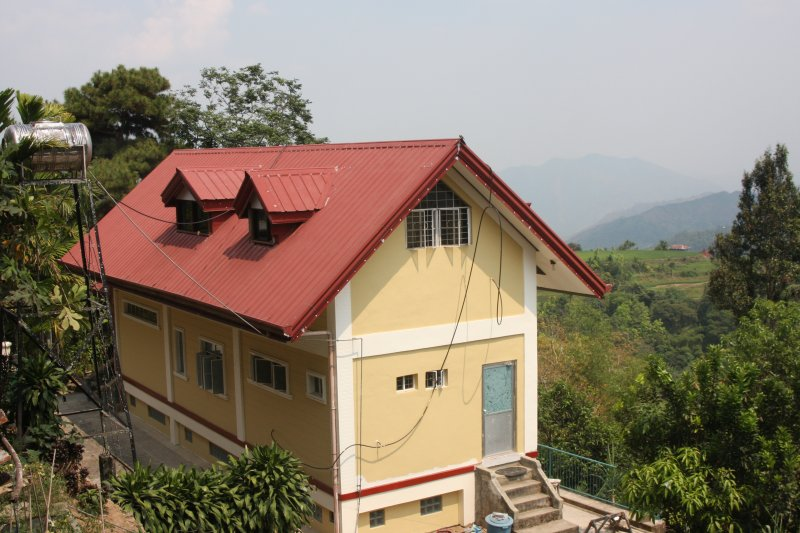 Phalay InnYong Upstairs Single room shared bath, vakantiewoning in Bontoc