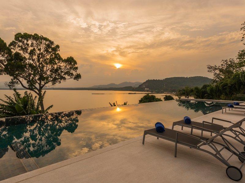 Baan Maprao - Pool-Sonnenuntergang