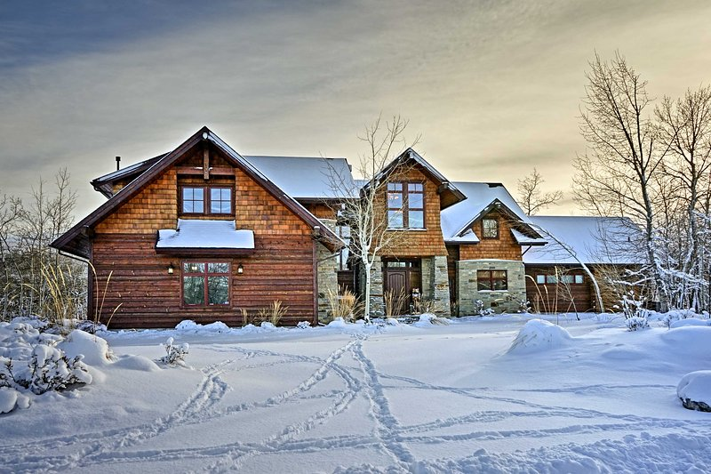 This home sits only 2.5 hours from Yellowstone National Park!