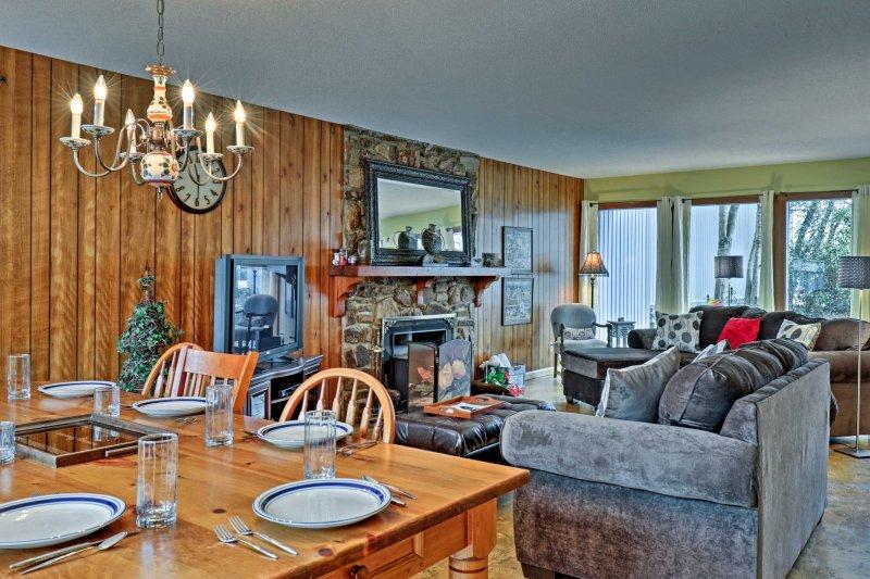 La experiencia de los Ozarks maravillosa Casa 3 dormitorios, 2,5 baños casa de pueblo Cherokee Village!