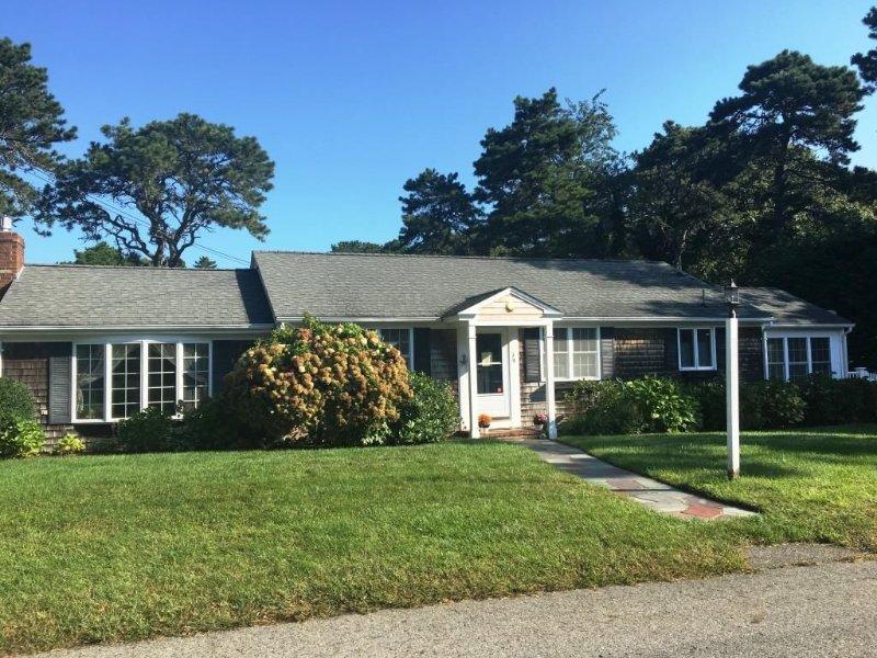 Localizado em uma rua tranquila - 19 Burton Ave West Harwich Cape Cod - New England Casas para férias