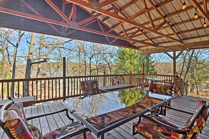 Relaxe neste 3 quartos, 2 banho casa de férias no Lago Eufaula em Canadian, Oklahoma!