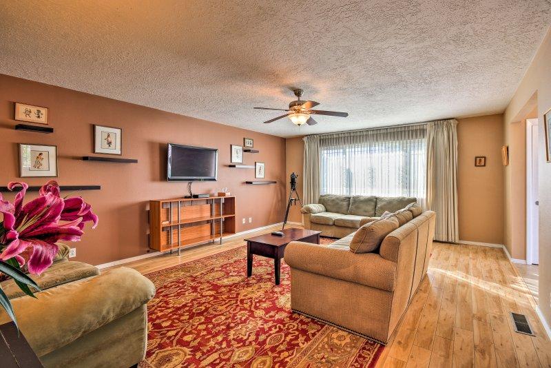 Ontdek uw volgende Albuquerque uitje in dit moderne vakantiewoning huis.