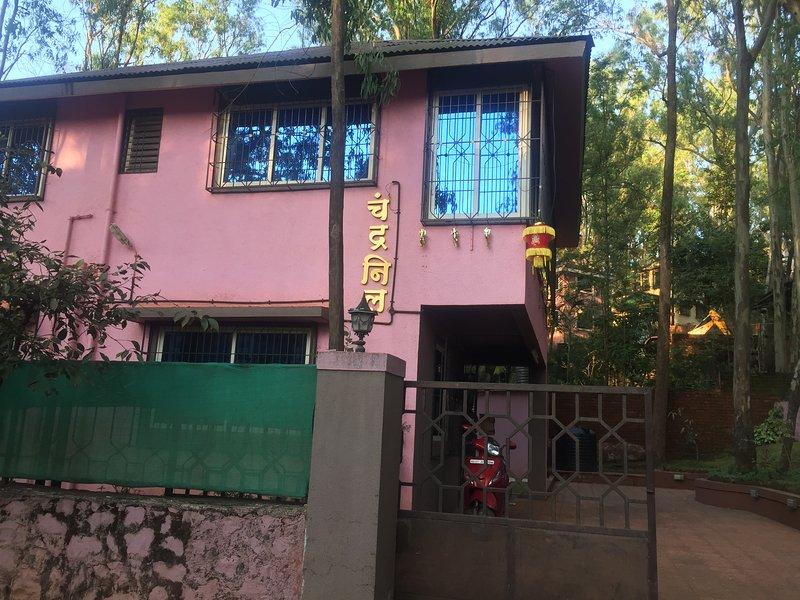 TT Chandraneil Bungalow, holiday rental in Wai