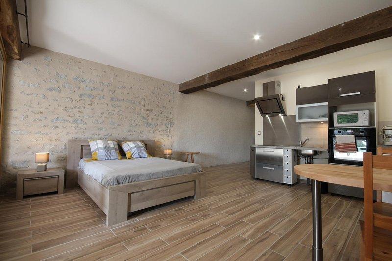gite d'étape et de séjour 'Le Foudre du Bazois', holiday rental in Verneuil