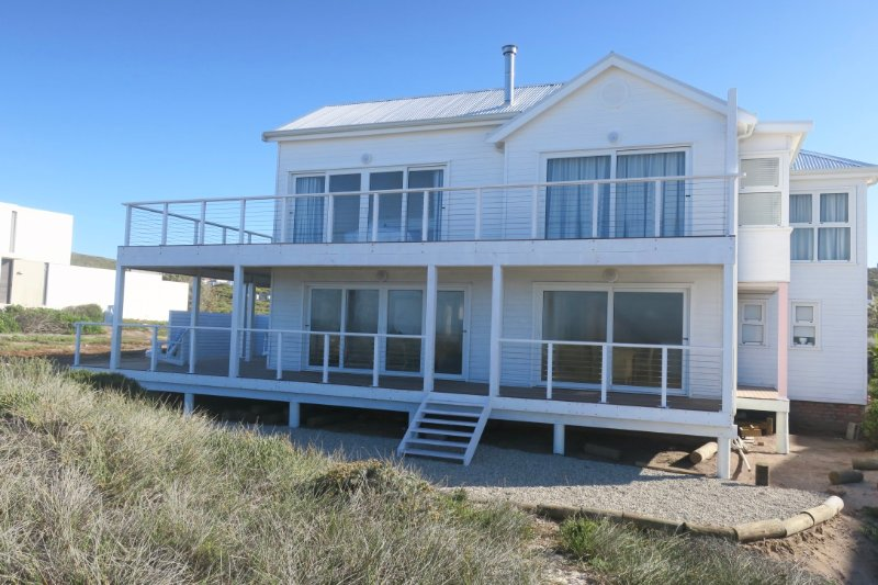 Front of the house leading onto the beach