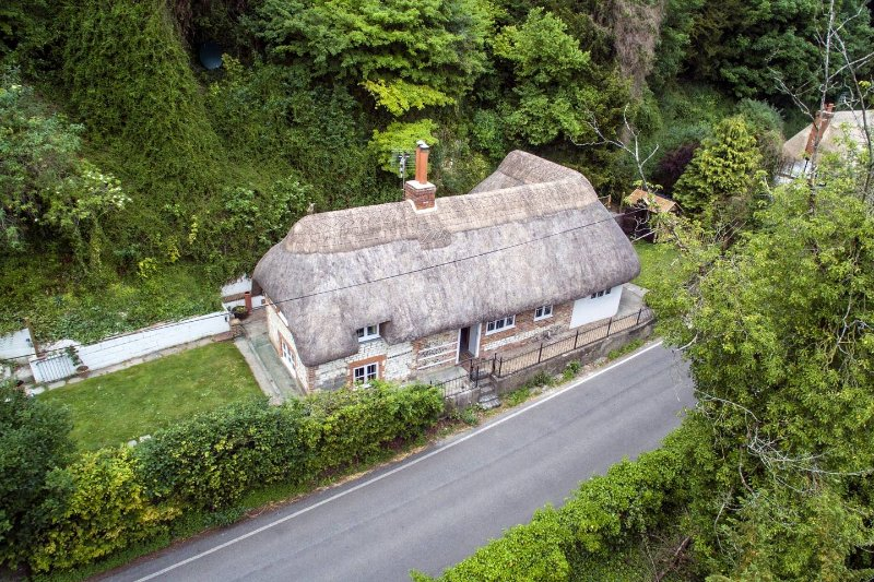 Thatched Cottage, Wherwell in the Test Valley, location de vacances à Kings Worthy