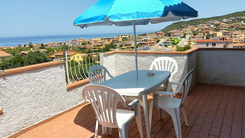 Piscina, mare e relax, holiday rental in Multeddu