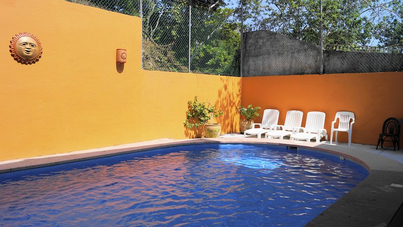 Beautiful 'la Vivienda' Villa - Guesthouse, holiday rental in Huatulco