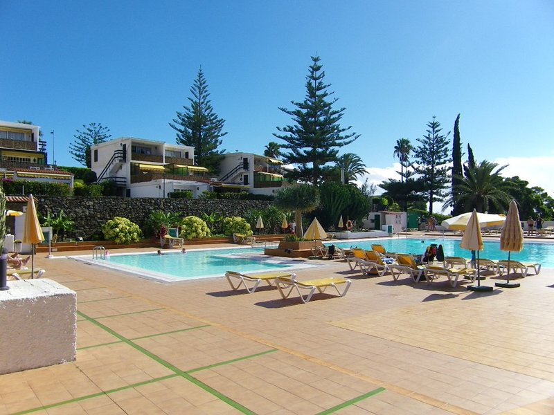 Apartment with stunning sea views in San Agustin, holiday rental in San Agustin