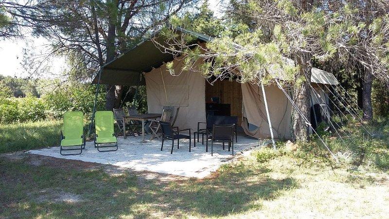 Acacia, holiday rental in Mazan