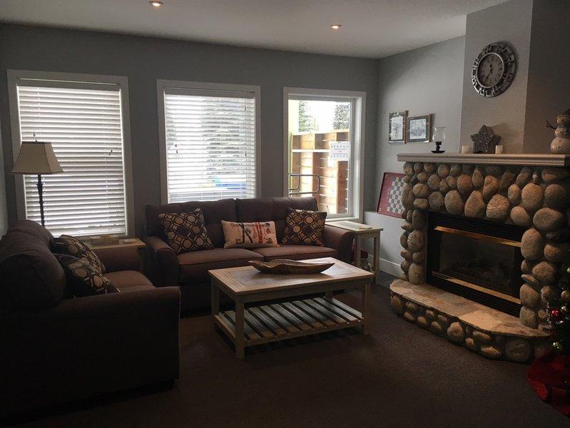 Recientemente renovado salón suite con chimenea