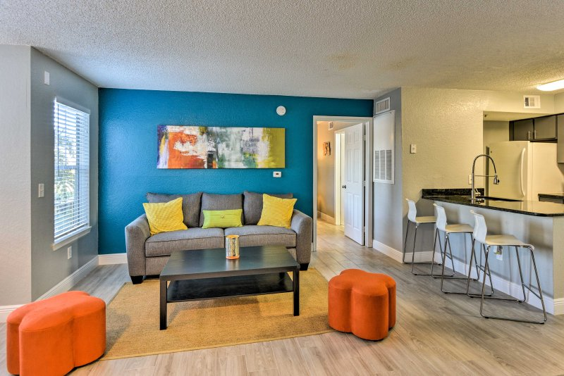 The magical world of Disney awaits just 20 minutes away from this pristine 2-bedroom, 2-bath vacation rental condo in Kissimmee.