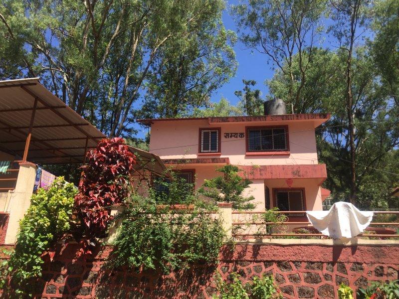 TT Samyak 4BHK Bungalow, holiday rental in Wai