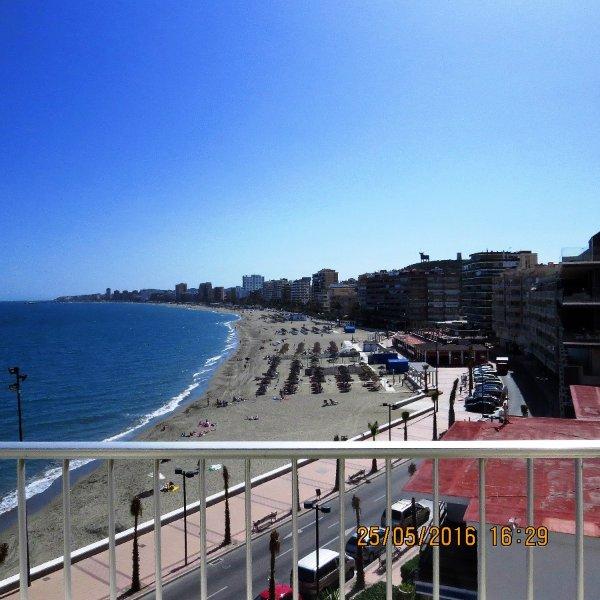 Ref: 207- Fantastic 3 Bedroom apartment, front line, lovely views in Torreblanca, alquiler vacacional en Fuengirola