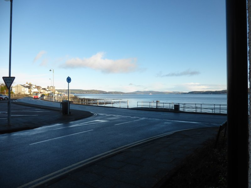 Luxury  Seaward Amazing Sea View on Promenade Private Parking & Near Town Centre, location de vacances à Dunoon