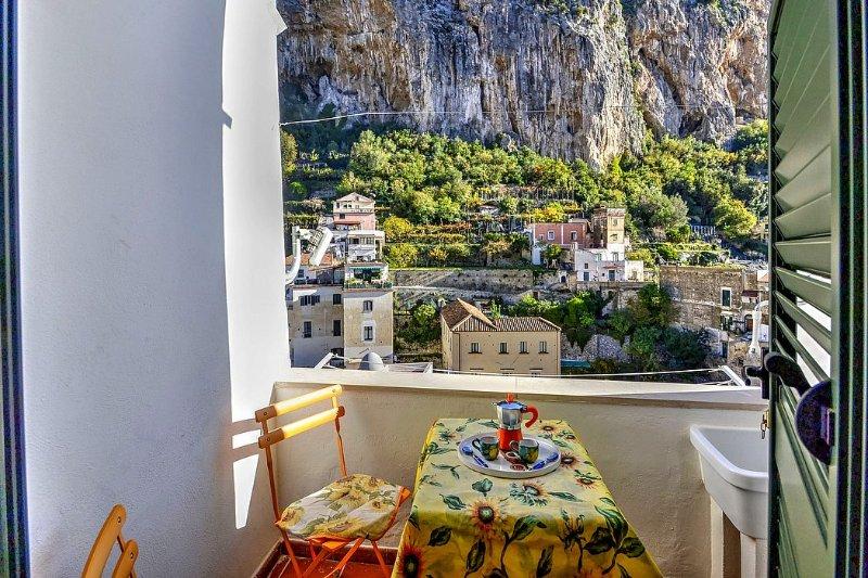 Amalfi Villa Sleeps 3 with Air Con - 5503129, holiday rental in Amalfi