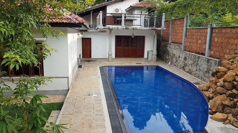 Siriniwasa luxury Villa, holiday rental in Induruwa