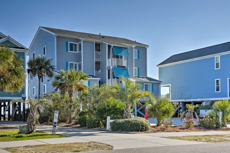 This tranquil oceanside retreat awaits you!