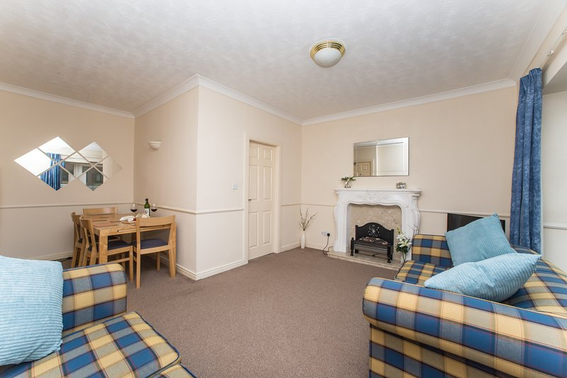 Quiet City Centre Flat 18 near Quayside - Free Parking, vacation rental in Newcastle upon Tyne