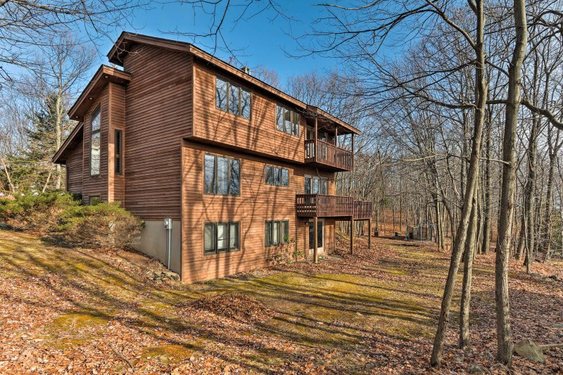New Peaceful Mount Pocono 4br House W Hot Tub Updated
