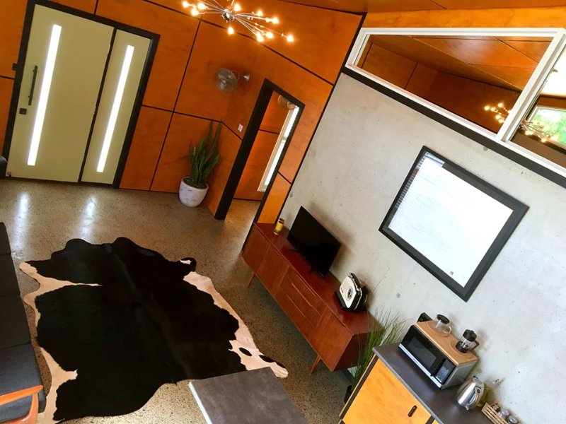 Palm Springs Suite, holiday rental in Eltham