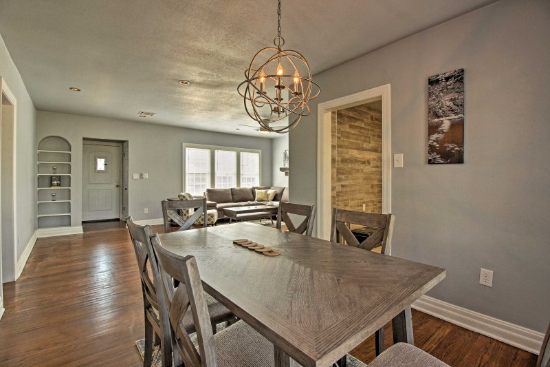 Experience Oklahoma City to the fullest from the comfort of this well-appointed vacation rental home!
