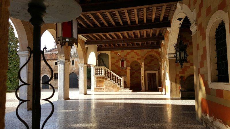 El vestíbulo del Castillo