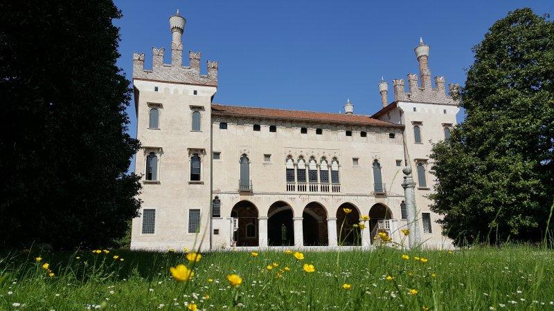 Castello di Thiene, holiday rental in Zane