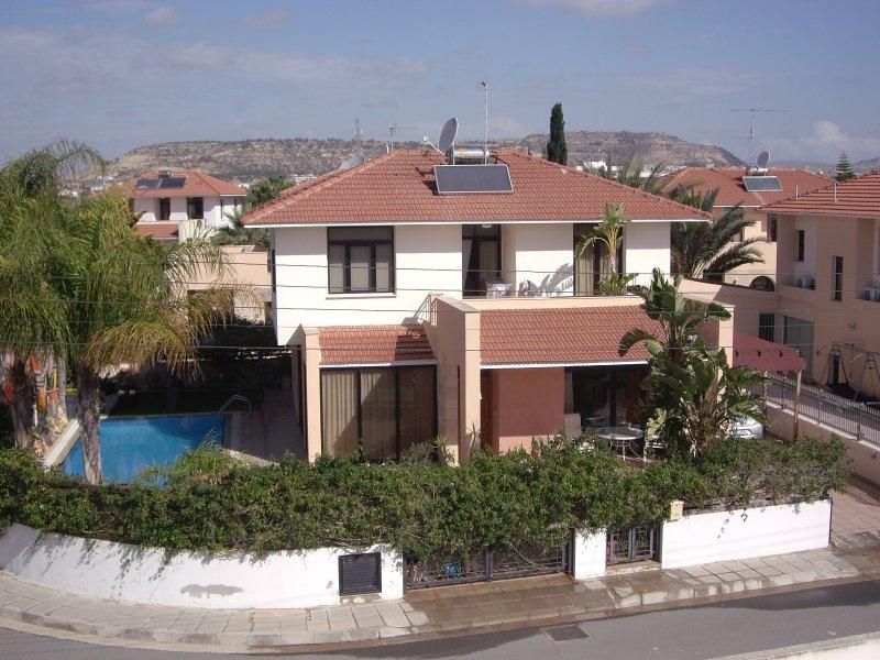 Chalet Long Beach Garden 250 m del mar, en la zona turística de Larnaca.