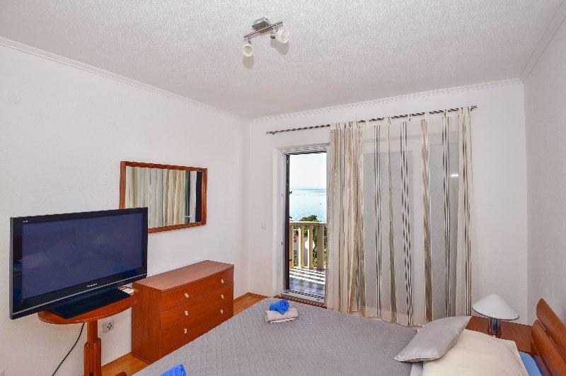 Beautiful Apartment Close to Beach, vacation rental in Brela