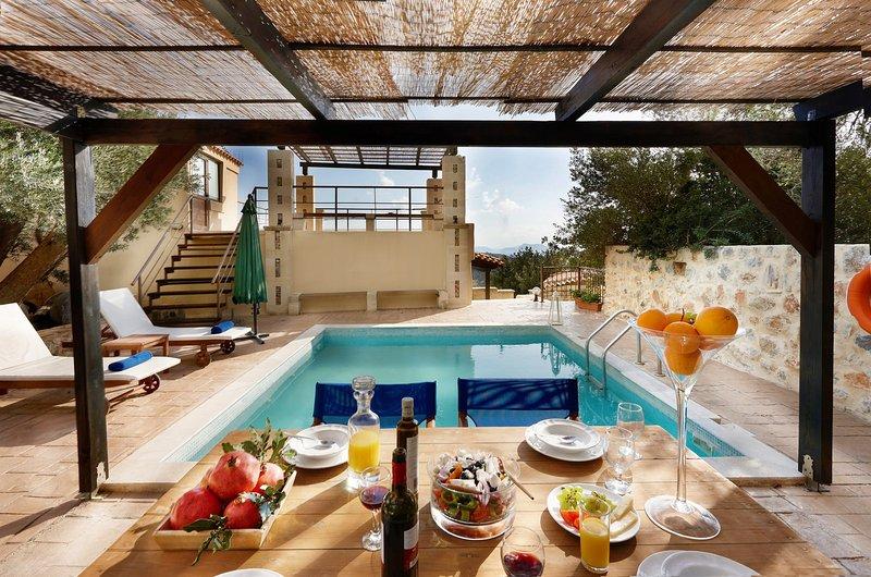 Enchanting sea view villa with private pool - disCrete Villa Triopetra, location de vacances à Xilokampos