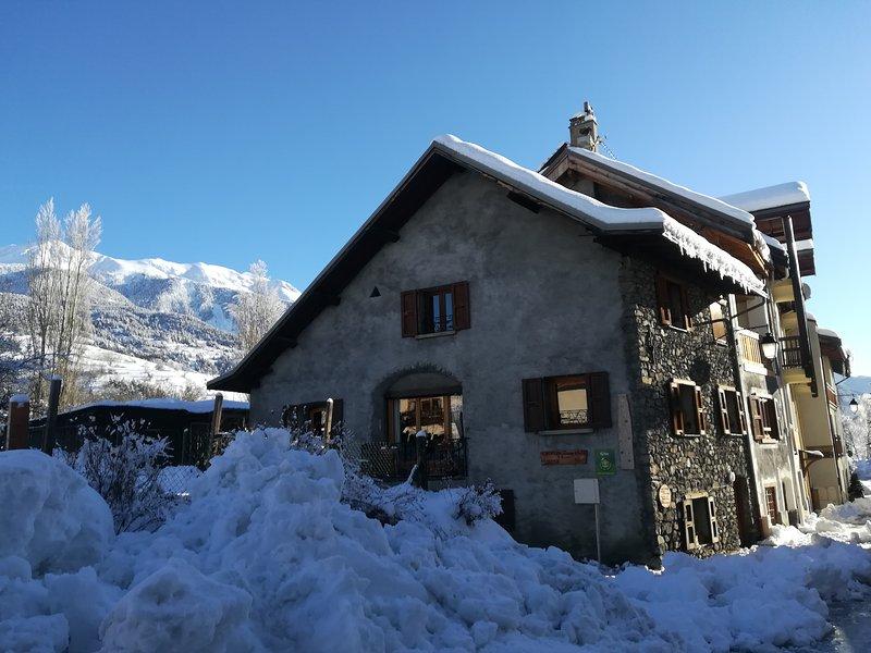 Maison de village à 200 mètres des pistes, holiday rental in Saint-Chaffrey
