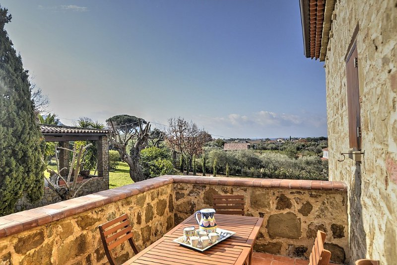 Villa delle Pigne A, holiday rental in Santa Maria di Castellabate