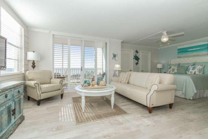 Dieser Showroom Qualität Studio Wohnung wird wow Sie! Kein Detail wurde bei der Schaffung eines luxuriösen Strand Rückzug übersehen!
