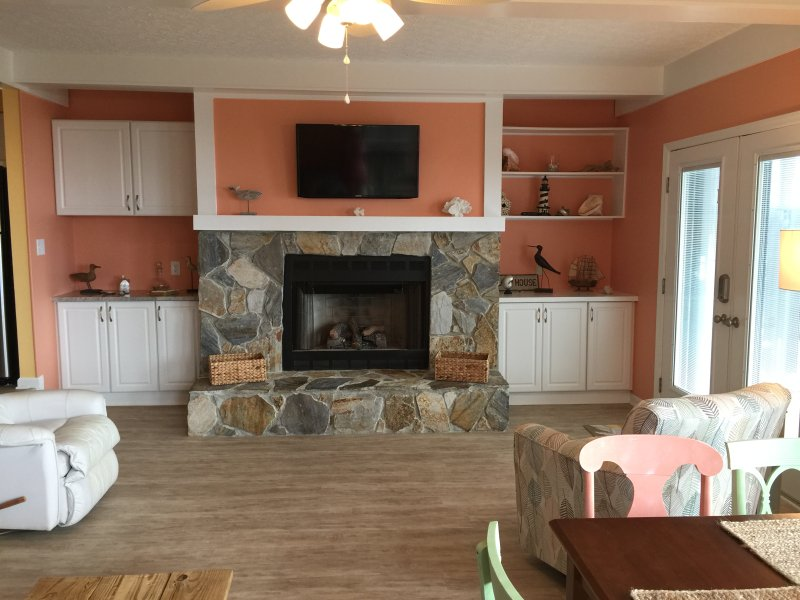 Spectacular Oceanfront Condo in Emerald Isle, NC, vacation rental in Emerald Isle
