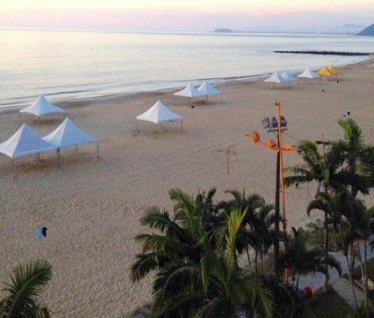 Vista de 180° da Orla da Praia Mansa em Caiobá