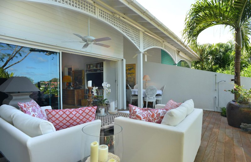 Colony Club E1 in the center of Gustavia near port and restaurants, vacation rental in Gustavia