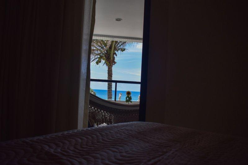 vista desde el balcón de la habitación de cama (suite).