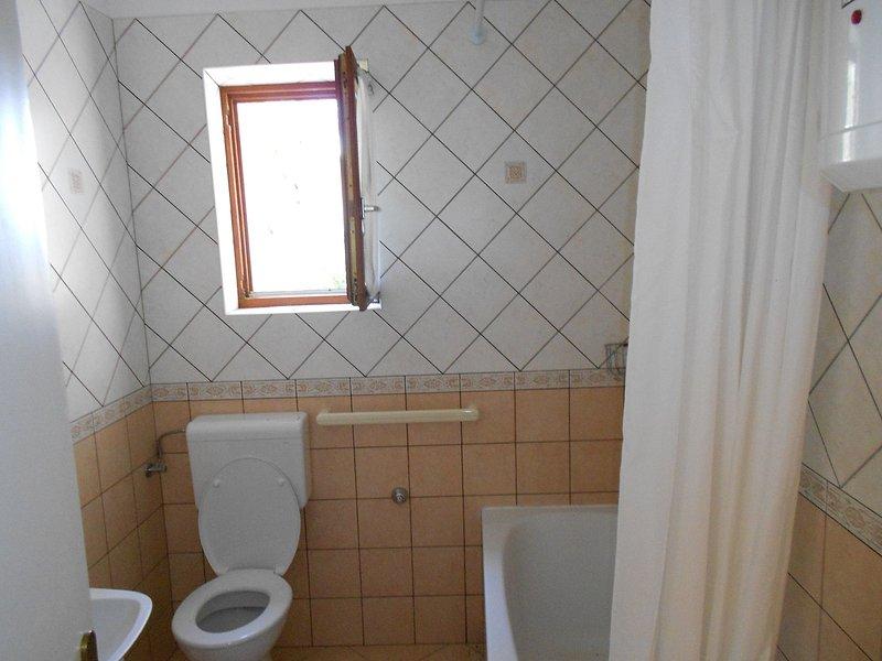 A2 (3 + 1) Kada: bagno con wc