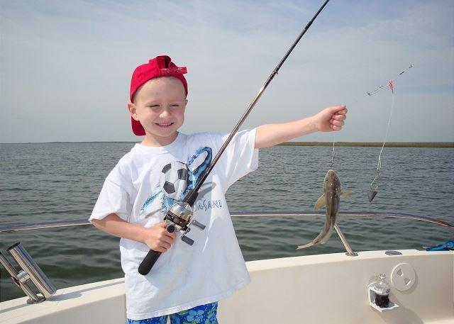 Mi hijo Robby cuando atrapó su primer pez en North Beach