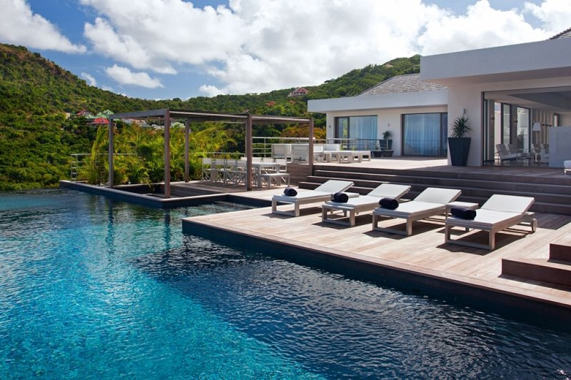 Villa Eternity | Ocean View - Located in Fabulous Flamands with Private Pool, location de vacances à Anse des Flamands