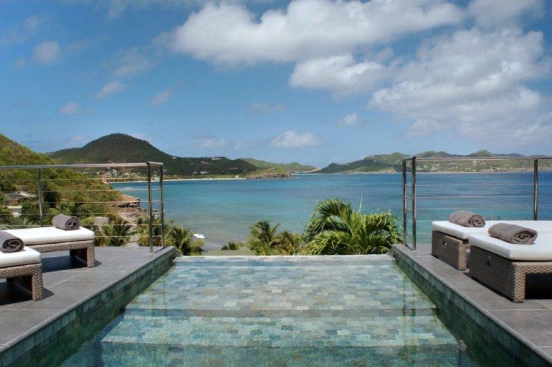 Villa Mirande | Ocean View - Located in Exquisite Pointe Milou with Private Po, casa vacanza a Pointe Milou