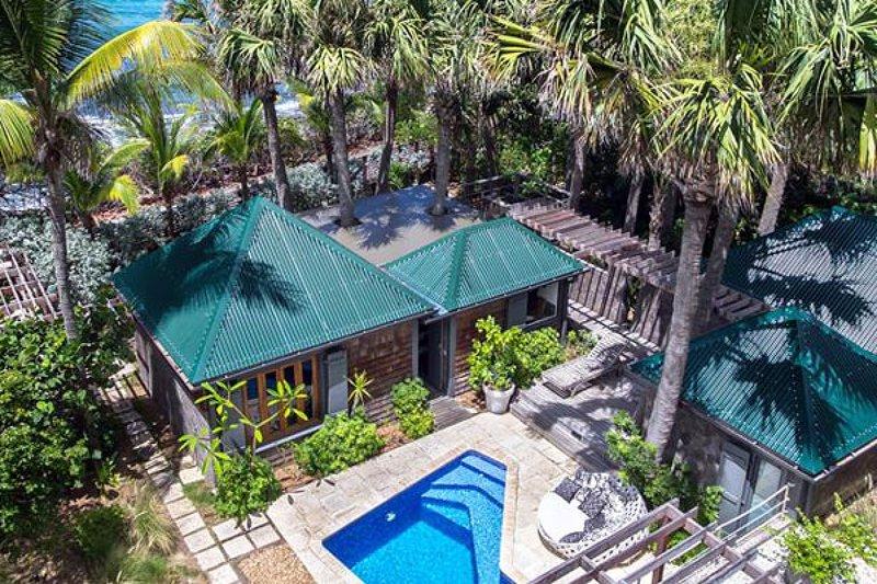 Villa Palm House | Ocean Front - Located in Tropical Anse des Lezards with Priv, alquiler de vacaciones en Anse des Cayes