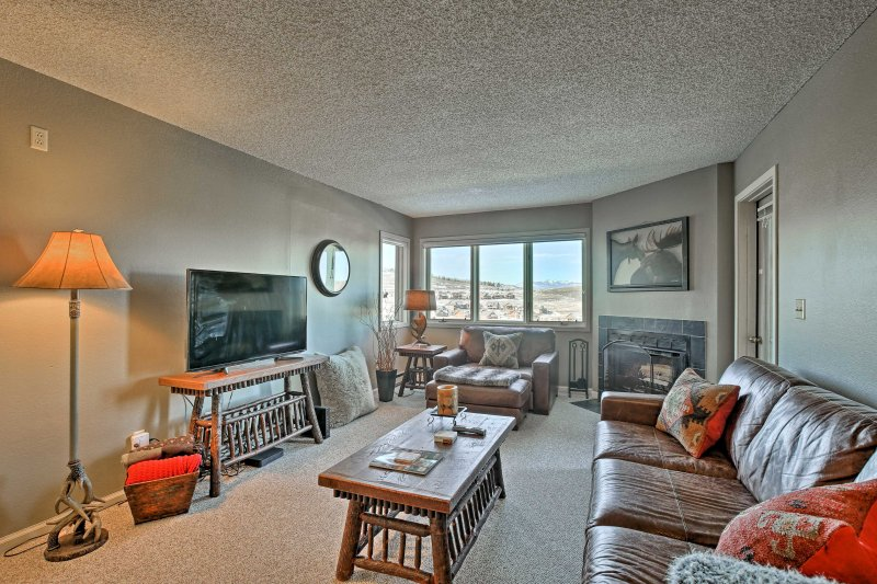 Find the perfect home base for your Rocky Mountain retreat at this ski-in/ski-out vacation rental condo in Granby!