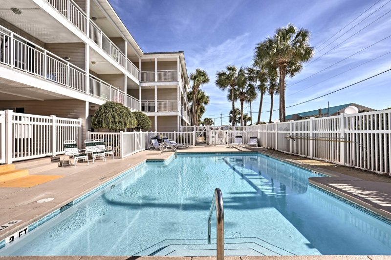 Stunning white beaches, challenging golf courses and world-class fishing await you at this 1-bedroom, 1-bathroom vacation rental condo in Destin!