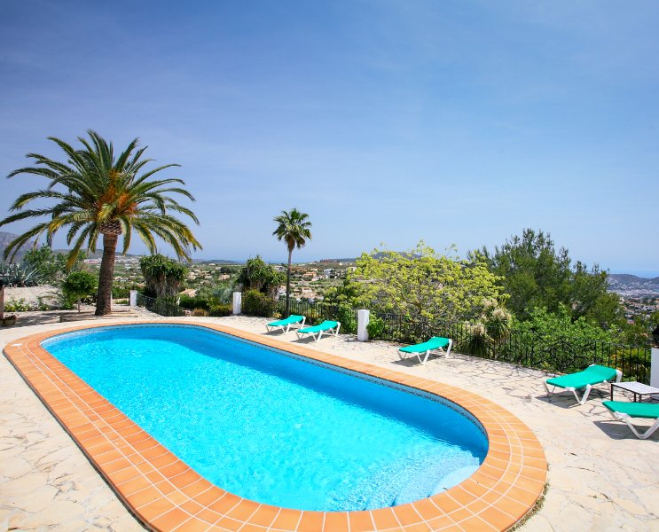 Paratella Villa Sleeps 10 with Pool and WiFi - 5489868, holiday rental in Benimeit